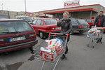 Litwini cieszą się z kłopotów złotówki