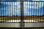 Społeczności za bramą jako ukryte getta