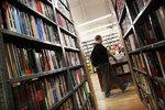 Polacy w USA wolą kiełbasę od książki