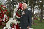 Uroczyste obchody upamiętniające 75 rocznicę zbrodni katyńskiej oraz 5 rocznicę katastrofy smoleńskiej pod pomnikiem ofiar katyńskich w Niles, IL