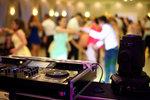 Zespół weselny czy DJ na wesele?