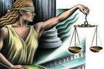 Temida zaciska pasa, czyli jak oszczędności zmieniają prawo